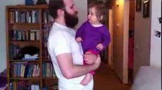 [►] VIDEO: (Videos de bebes bailando de risa: ¿Cómo reacciona una bebé tras ver a su papá sin barba?) → http://diversion.club/videos-bebes-bailando-risa-reacciona-bebe-ver-papa-barba/ → Videos de Risa, Videos Chistosos, Videos Graciosos