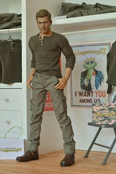 1/6 scale Dexter henley and cargo pants upgraded