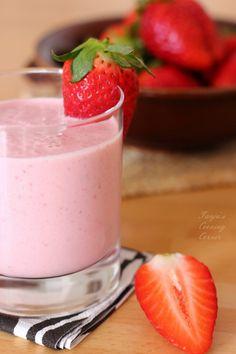 Strawberry Oatmeal Smoothie  @Tanja {Tanja's Cooking Corner}