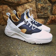 "Super Price: 119 Nike Air Huarache Utility ""White Navy Gold"" Size Man (Spain Envíos Gratis a Partir de 99) http://ift.tt/1iZuQ2v  #loversneakers#sneakerheads#sneakers#kicks#zapatillas#kicksonfire#kickstagram#sneakerfreaker#nicekicks#thesneakersbox #snkrfrkr#sneakercollector#shoeporn#igsneskercommunity#sneakernews#solecollector#wdywt#womft#sneakeraddict#kotd#smyfh#hypebeast #nikeair#huaraches #nike #huarache"