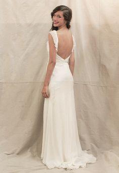 The Perfect Wedding Gowns For Each Season  Keywords: #springweddings #jevelweddingplanning Follow Us: www.jevelweddingplanning.com  www.facebook.com/jevelweddingplanning/