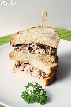 Sandwich de pollo, arándanos secos y nueces | L'Exquisit