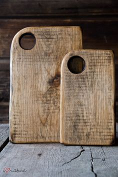 vintage style chopping and cutting boards Divot could also be a hole?
