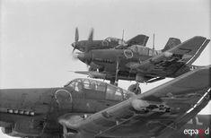 "Misión de bombardeo en Stalingrado por Junkers Ju-87 Stuka de la Escuadrilla II./Sturzkampfgeschwader 2 ""Immelmann""."