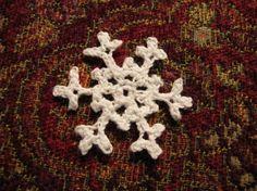 Petite crochet snowflake pattern