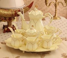 Best Tea Sets Decoration Ideas For Your Awesome Living Room Tea Cup Set, Tea Cup Saucer, Chocolate Pots, Chocolate Coffee, Tee Set, China Tea Sets, Teapots And Cups, Teacups, Best Tea