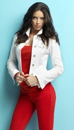 Style-Check: Adriana Lima in Mavi Jeans