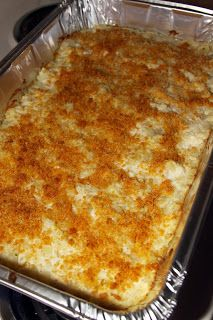 This casserole recipe by Ms Kay from Duck Dynasty is a guaranteed crowd pleaser and a delicious holiday side dish! Who doesn't like the ultimate comfort food- creamy, warm mashed potatoes? dinner for a crowd Duck Dynasty Mashed Potato Casserole Potato Sides, Potato Side Dishes, Vegetable Side Dishes, Vegetable Recipes, Veggie Food, Holiday Side Dishes, Side Dishes For Party, Potluck Side Dishes, Cookies Et Biscuits