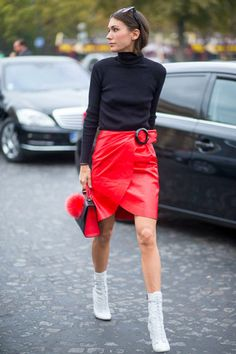 45 Amazing & Achievable Street Style Looks From Paris Fashion Week Spring/Summer 2016 Casual Chic, Moda Paris, Looks Black, Womens Fashion Casual Summer, Street Style Looks, Paris Fashion, Street Fashion, Ideias Fashion, Trends