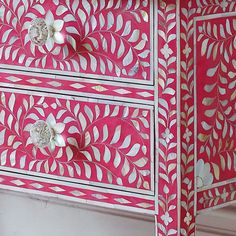 Pink and Mother of Pearl Inlay Console Table Which Is Perfect for Feminine Interiors