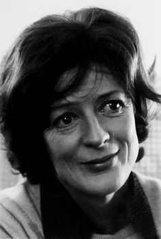 Maggie Smith (date unknown) British Actresses, British Actors, Actors & Actresses, Maggie Smith Young, Companion Of Honour, I Look To You, Judi Dench, Queen Elizabeth Ii, Healthy Mind