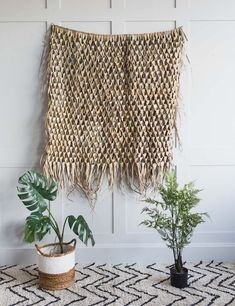 seagrass and palm leaf woven wall hangings rose and grey Hamptons Style Decor, Bamboo Wall, Boho Wall Hanging, Bohemian Interior, Different Textures, Wall Decor, Palm, Grey, Rose