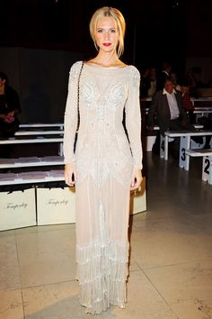 Poppy Delevingne looks nothing short of elegant in this stunning sequin gown Poppy Delevingne, Zac Posen, Marchesa, How To Have Style, Mode Glamour, Valentino, Looks Style, My Style, List Style