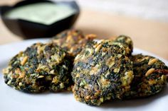 Yotam Ottolenghi, The new vegetarian: Swiss chard cakes with sorrel yogurt sauce A Food, Food And Drink, Chard Recipes, Vegetarian Recipes, Healthy Recipes, Healthy Food, Yotam Ottolenghi, Diet, Kitchens
