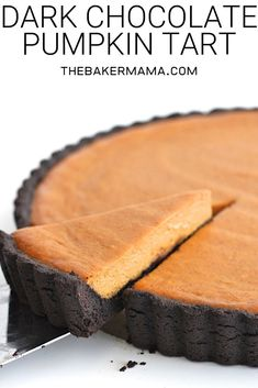 The amazing combination of dark chocolate and pumpkin in this dreamy dark chocolate pumpkin tart gives traditional pumpkin pie a run for its title as fall's favorite dessert! #pumpkintart #pumpkinrecipes