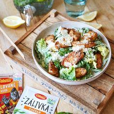 Caesar šalát s grilovanou kuracinkou vás presvedčí, že v jednoduchosti sa skrývajú vynikajúce recepty. 🥗 😋  Vyskúšajte. Potato Salad, Potatoes, Ethnic Recipes, Food, Meal, Potato, Eten, Meals