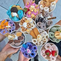 Because Ice Cream is for all seasons, right? Köstliche Desserts, Delicious Desserts, Dessert Recipes, Cute Food, Good Food, Yummy Food, Comida Disney, Kreative Desserts, Tumblr Food