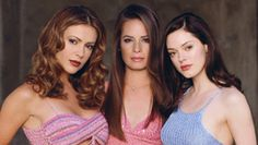 (TV Series Three sisters discover their destiny - to battle against the forces of evil, using their witchcraft. They are the Charmed Ones. Alyssa Milano as Phoebe, Holly Marie Combs as Piper, Rose McGowan as Paige Serie Charmed, Charmed Tv Show, Seinfeld, Movies Showing, Movies And Tv Shows, Comic Reviews, Nerd, Film Serie, Alyssa Milano