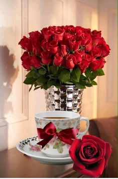 Red Pictures, Good Morning Coffee, Outdoor Flowers, Good Morning Greetings, Red Aesthetic, Coffee Love, Good Morning Images, Afternoon Tea, Red Roses