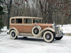 1931 Packard Eight 826 Sedan - (Packard Motor Car Company Detroit, Michigan 1899-1958)