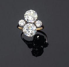 Originale bague toi et moi ornée de deux diamants brillantés en chaton