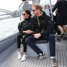 Some of Meghan Markle and Kate Middleton's favourite brands, such as Superga, Missoma and H&M are participating in the Black Friday sales. Here's how to get your hands on their royal look for less. Meghan Markle Stil, Estilo Meghan Markle, Prinz Harry Meghan Markle, Meghan Markle Prince Harry, Fast Fashion, Fashion Week, Jeans Und Sneakers, Veja Sneakers, White Sneakers