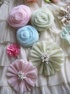 Vintage ribbons into flowers.