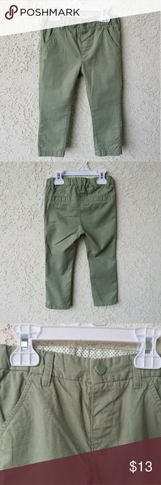 H&M Girls Olive Green Pants Stylish Olive Green pants in great condition. Only worn once. Size 12 to 18 months. H&M Bottoms Casual