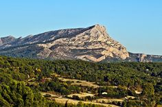 View of Mont Sainte-Victoire, seen from Les Lauves, in the outskirts of Aix-en-Provence, France, where Cezanne painted this scene numerous times - Image by Phil Haber