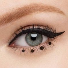 Revlon ColorStay Liquid Eye Pen Kugelschreiberspitze Blackest Black - Re., Revlon ColorStay Liquid Eye Pen Kugelschreiberspitze Blackest Black - Revlon ColorStay Liquid Eye Pen Kugelschreiberspitze Blackest Black - Pensez à la . Makeup Goals, Makeup Inspo, Makeup Art, Makeup Inspiration, Eyeshadow Makeup, Makeup Ideas, Liquid Makeup, Eyeshadow Base, Makeup Hacks