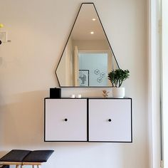 Frame cupboard with mirror