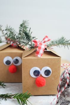 REINDEER GIFT BOX! This is too cute and so easy to make! Perfect for Christmas gift cards or Christmas cookies!