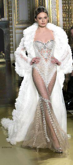 Zuhair Murad, este casaco infelizmente para mim não combina, o vestido é sem palavras, super sexy:)