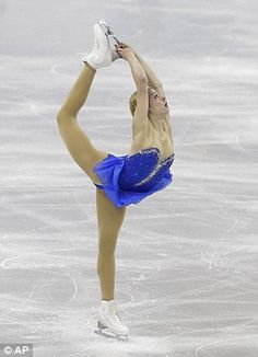 Gracie Gold goes from anonymous to famous in 4 minutes. Here, Gold competes in the senior ladies free skate program at the U. figure skating championships in Omaha. Gracie Gold, Olympic Sports, Olympic Games, Figure Skating Moves, Skating Pictures, Skate Art, Ice Skating Dresses, Ice Skaters, Perfect Figure