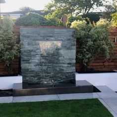 Modern Water Feature, Diy Water Feature, Backyard Water Feature, Indoor Water Features, Small Water Features, Water Features In The Garden, Garden Features, Water Wall Fountain, Fountain Garden