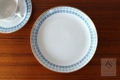 Upsala Ekeby / Karlskrona, plate 17,5 cm - FourSeasons.fi Side Plates, Gold Flowers, Sweden, Scandinavian, Ceramics, Tableware, Karlskrona, Ceramica, Pottery