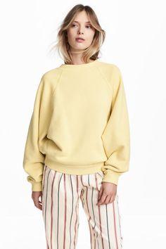 Oversized sweatshirt Model
