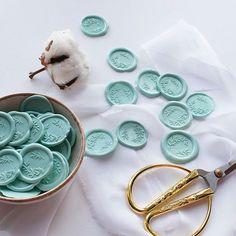 custom wax seal, mint Wax Seal Stamp, Wax Seals, Wedding Designs, Wedding Invitations, Mint, Fresh, Elegant, Instagram, Wax Stamp