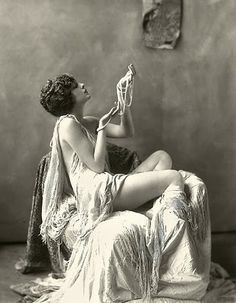 Billie Dove and pearls