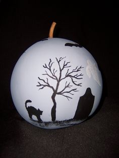 This is the back of the Moon Eyes Halloween gourd