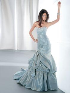Style: GR228 - www.demetriosbride.com