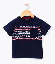 Camiseta Infantil  Manga curta  Gola redonda  Com estampa  Com bolso  Marca: Póim  Tecido: Meia malha         COLEÇÃO INVERNO 2016     Veja outras opções de    camisetas infantis.          Póim Menino     Sabemos que de 1 a 4 anos de idade, o que vale é o gosto da mamãe. E pensando nisso, a Lojas Renner, possui a marca Póim, com macacão, camisetas, camisas, calça jeans e muito mais outros produtos cheio de estilo, tudo com muita informação de moda e tendências para os baixinhos!