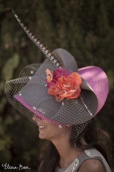 Lovely look eith fancy hats Funky Hats, Cool Hats, Red Hats, Turbans, Fascinator Hats, Fascinators, Headpieces, African Hats, Kentucky Derby Hats