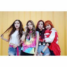 Image de blackpink, lisa, and rose Kpop Girl Groups, Korean Girl Groups, Kpop Girls, Divas, Kim Jennie, 2ne1, Girls Generation, K Pop, Square Two