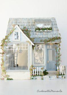 A Very Blessed Cottage Custom Dollhouse (Cinderella Moments) Victorian Dollhouse, Modern Dollhouse, Diy Dollhouse, Rotulação Vintage, Vintage Paper, Vintage Dolls, Fairy Houses, Doll Houses, Cinderella Moments