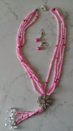 con perline rosa