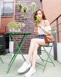 SNSD Tiffany is as pretty as the flowers in her latest updates ~ Wonderful Generation ~ All About SNSD, Wonder Girls, and f(x)