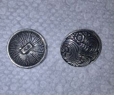 '6 Swirly Metal Buttons' is going up for auction at 10pm Mon, Dec 17 with a starting bid of $3.