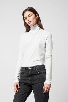 Alice Turtleneck - White - Tops - Weekday 77bef141148c9