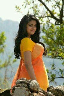 Most Beautiful Indian Actress, Beautiful Girl Indian, Beautiful Saree, Prettiest Actresses, Beautiful Actresses, Keerthy Suresh Hot, Kirthi Suresh, Bollywood Girls, Beautiful Girl Photo